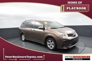 2019 Toyota Sienna LE 8-Passenger