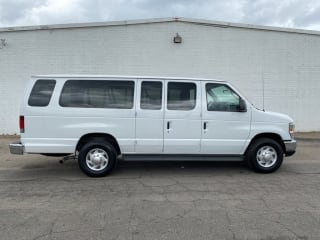 2012 Ford E-Series Wagon E-350 SD XLT