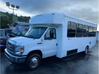2013 Ford E-150 E 450 SD 2dr Commercial/Cutaway/Chassis 158 176 in