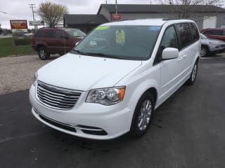 2016 Chrysler Town and Country LX