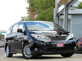 2014 Toyota Sienna XLE 7-Passenger