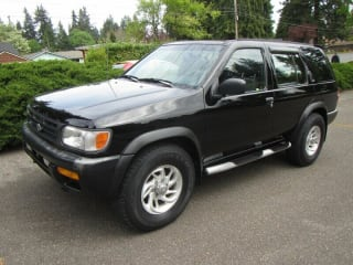 1997 Nissan Pathfinder SE