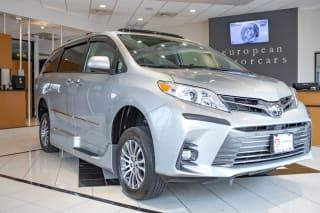 2019 Toyota Sienna XLE Premium 8-Passenger