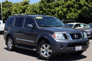 2011 Nissan Pathfinder Silver Edition
