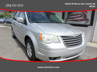 2010 Chrysler Town and Country Touring Plus