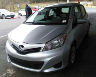 2012 Toyota Yaris 5-Door L
