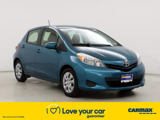2013 Toyota Yaris 5-Door LE