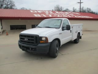 2006 Ford F-350 4X2 2dr Regular Cab 137 in. WB
