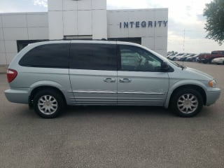2001 Chrysler Town and Country LXi