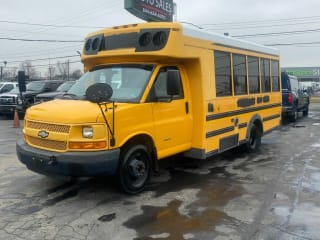2009 Chevrolet Express 3500 2dr Commercial/Cutaway/Chassis 139 177 in. WB