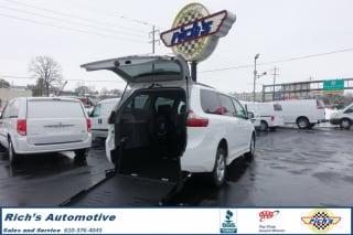 2020 Toyota Sienna LE 8-Passenger