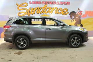 2018 Toyota Highlander LE
