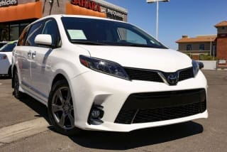 2020 Toyota Sienna SE Premium 8-Passenger
