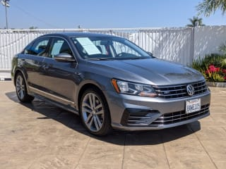 2017 Volkswagen Passat 1.8T R-Line