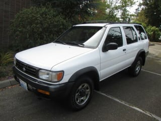 1997 Nissan Pathfinder XE