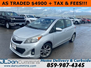 2012 Toyota Yaris 5-Door SE