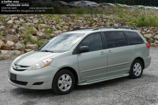 2010 Toyota Sienna LE 7-Passenger