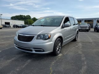2015 Chrysler Town and Country S