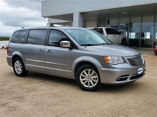 2016 Chrysler Town and Country Limited Platinum